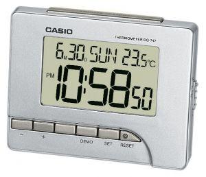 Casio Wecker DQ-747-8EF Uhr mit Thermometer silber